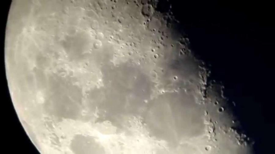 Cover: Mond durch mein Telskop (2/2), 31. Mai 2009