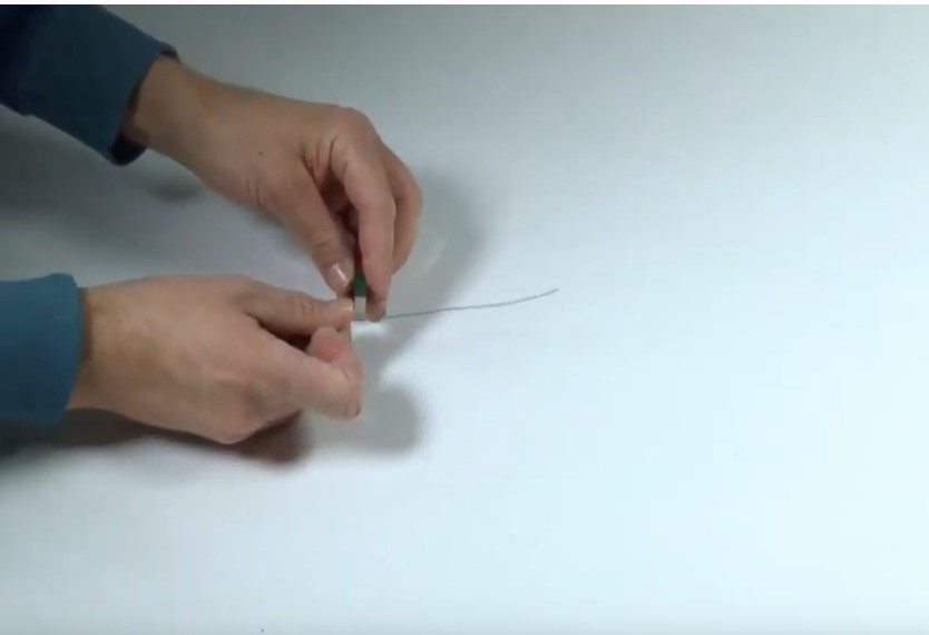 Cover: Was passiert, wenn man einen Magneten in der Mitte durchtrennt - YouTube